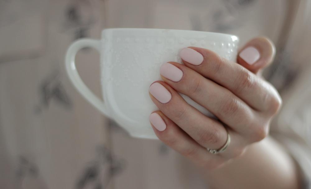 matowy manicure hybrydowy semilac